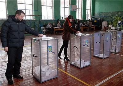 النتائج الأولیة غیر الرسمیة للانتخابات الرئاسیة الأوکرانیة تشیر الى فوز بوروشینکو