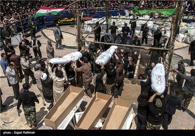 تشییع جثمان شهداء مجهولی الهویة بمدینة بندر انزلی