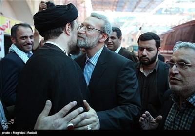 نواب الشعب بمجلس الشوری الاسلامی یجددون العهد والمیثاق مع الامام الخمینی (طاب ثراه)