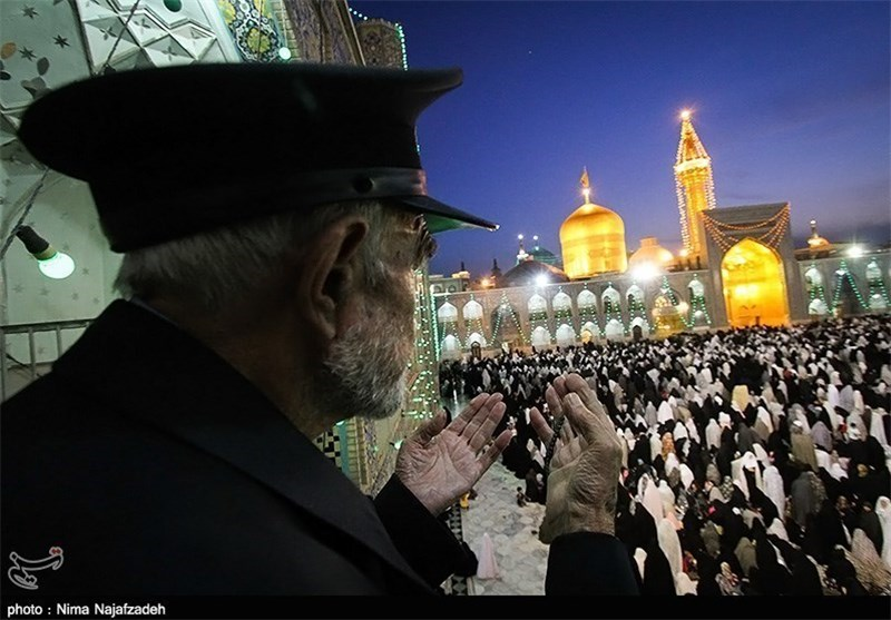 ویژه برنامه شب و روز عاشورای حسینی در حرم مطهر رضوی برگزار میشود