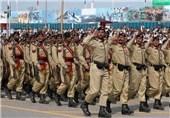 پاکستان: 23 مارچ کی مناسبت سے مسلح افواج کے دستے سلامی دینے کیلئے تیار