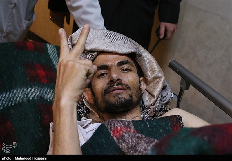 Yemenis Injured in Sana'a Terrorist Attacks Transferred to Iran for Treatment (+Photos)