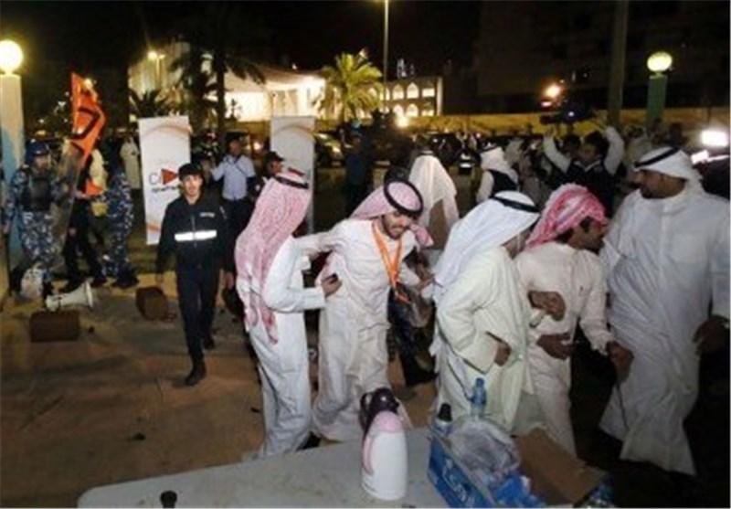 الداخلیة الکویتیة تحذر المواطنین من الخروج بمسیرات غیر مرخصة