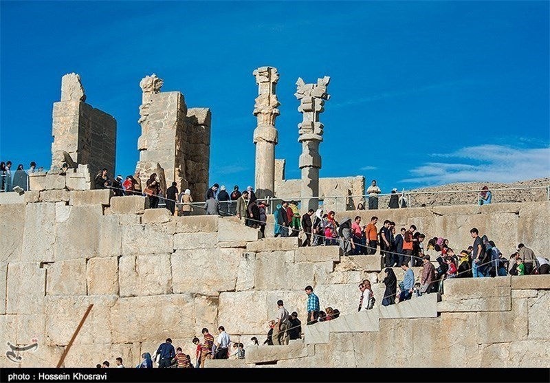 Iran Adopts New Measures to Boost Tourism