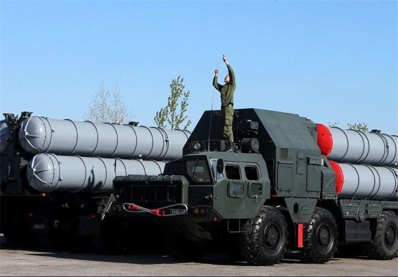 """الکرملین : إیران ستستلم منظومات """"إس-300"""" للدفاع الجوی خلال عام 2016"""