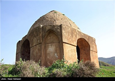 چهارطاقی و قبرستان باستانی دره شهر - ایلام