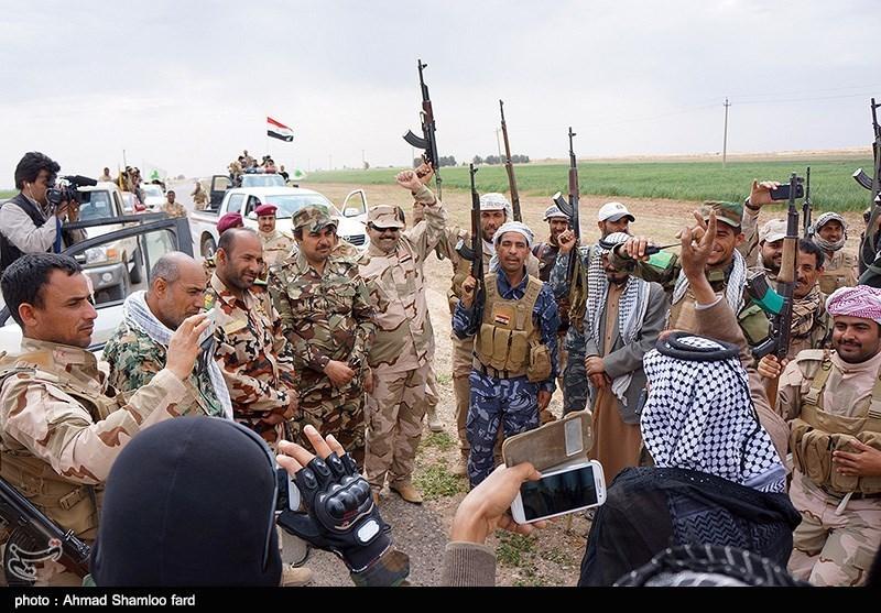 شادی نیروهای مردمی مبارز پس از فرار گروه تروریستی داعش از شهر صلاح الدین عراق