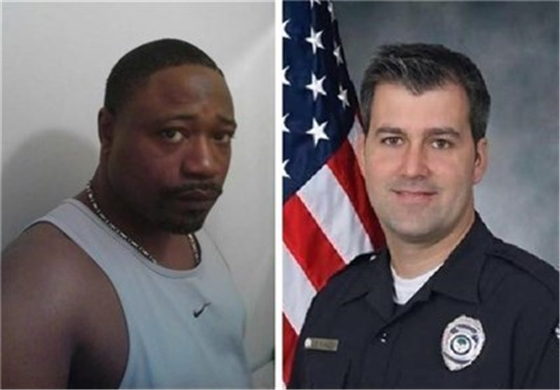 الشرطة الامریکیة تقتل أحد المواطنین الامریکیین السود بإطلاق 8 رصاصات + فیدیو