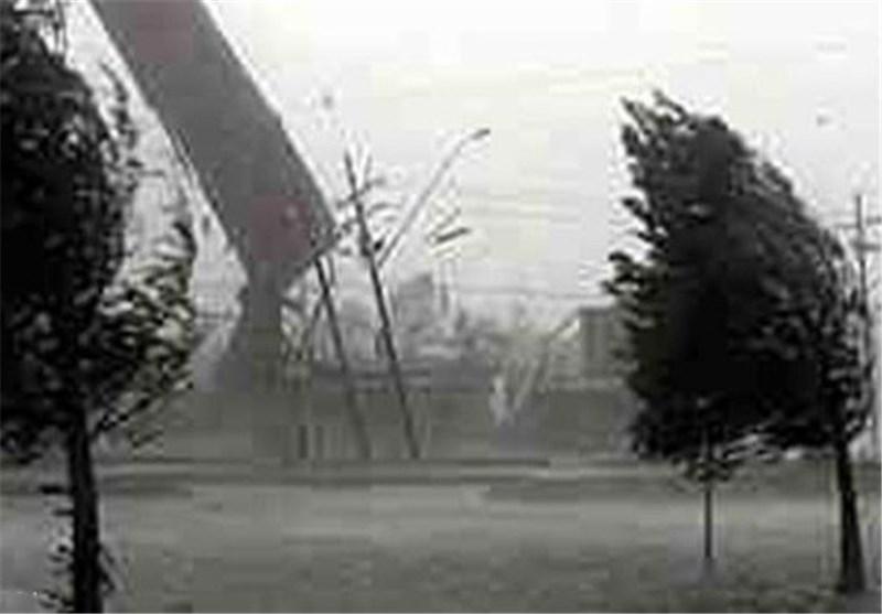 وزش باد با سرعت 70 کیلومتر بر ساعت در لرستان پیشبینی میشود ...