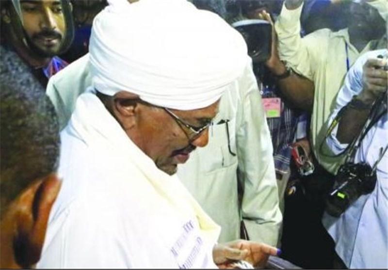 Ömer El-Beşir Birleşik Arap Emirlikleri Yolcusu