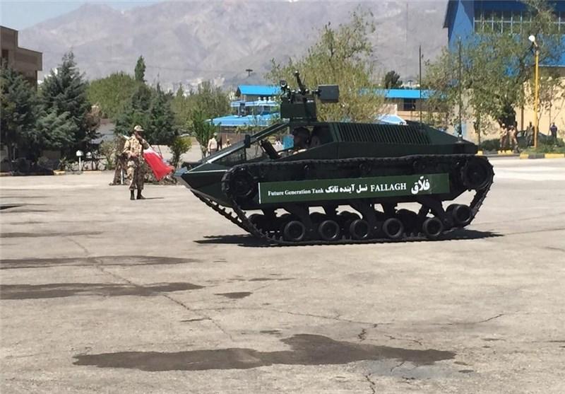 """تانک فلّاق عملیاتی شد/ پهپادهای نزاجا منطقه رزمایش را """"جَمِر"""" کردند"""