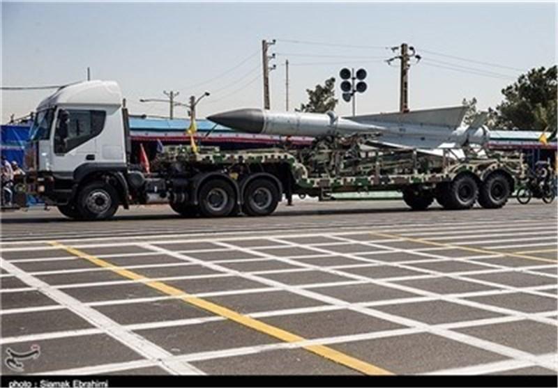مقر المضادات الجویة للجیش یعرض معدات واسلحة تابعة لهذا المقر فی یوم الجیش
