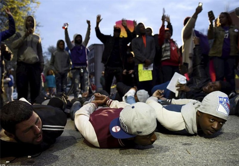 US Police Arrest 12 in Baltimore Rally over Black Man's Death (+Video)