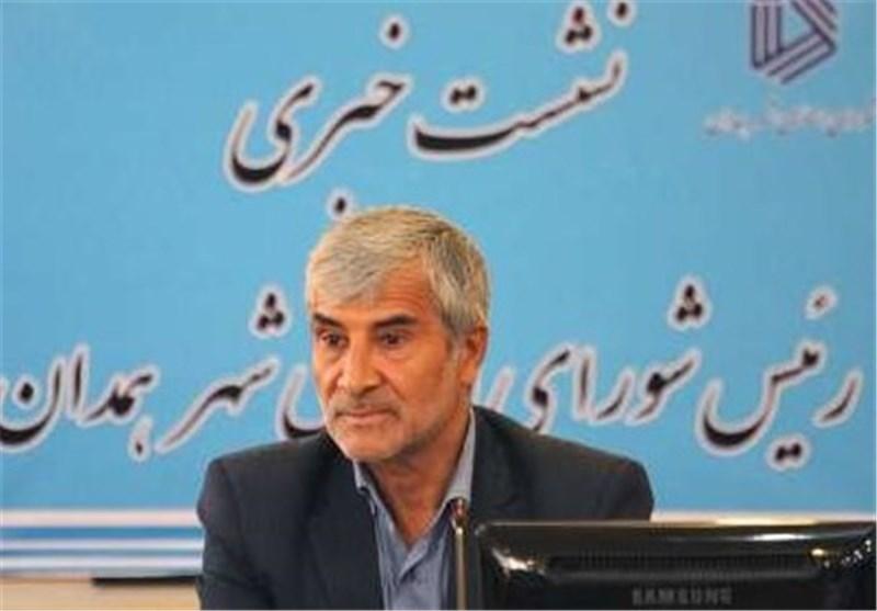 """نامزد اصولگرای شورای شهر همدان: با نگاههای سیاسی در شورا """"شهر"""" را فلج کردهاند"""