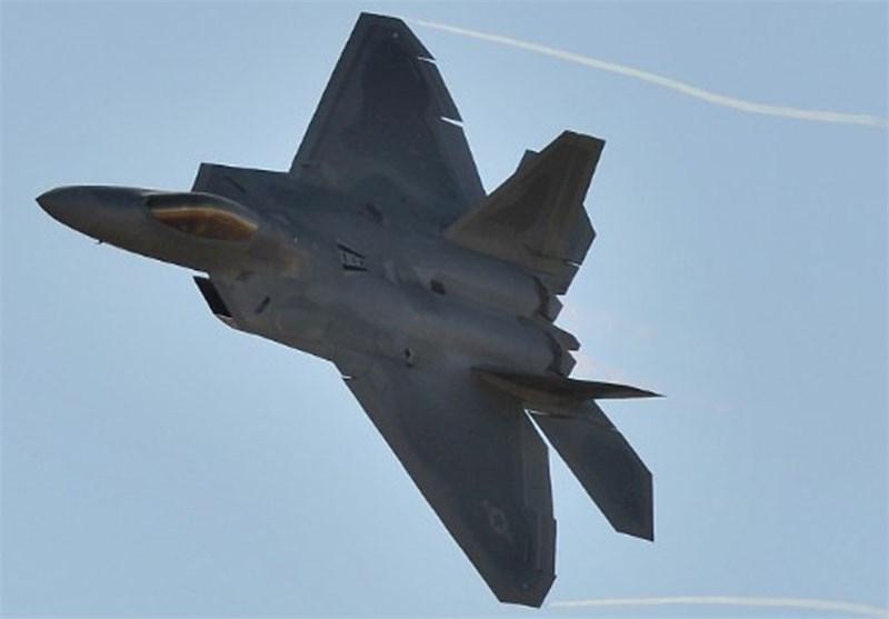 شامی فوجی اڈے پر مشکوک امریکی حملہ/ امریکی حملے کے 7 منٹ بعد داعش نے دھاوا بول دیا