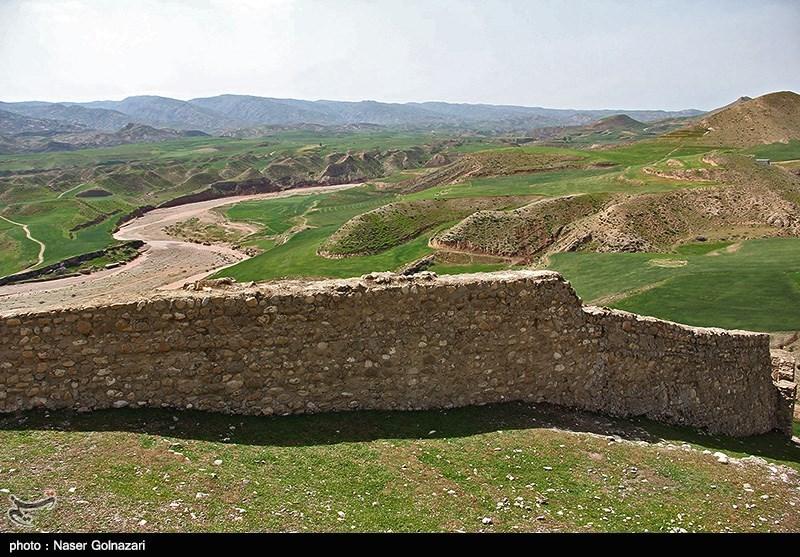 بنای تاریخی پشت قلعه ابدانان