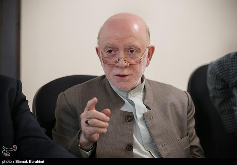 حبیبی: قارونها در حجاز به جان هم افتادهاند