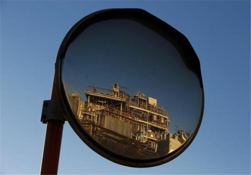 نوسان قیمت نفت در محدوده 45 تا 55 دلار طی سال میلادی آینده