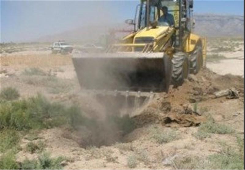 از گوشه و کنار کاشان| 22 حلقه چاه غیرمجاز در آران و بیدگل مسدود شد