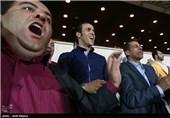 انتقاد به اخذ بلیت 100 هزارتومانی برای تماشای مسابقه فوتبال در برج میلاد