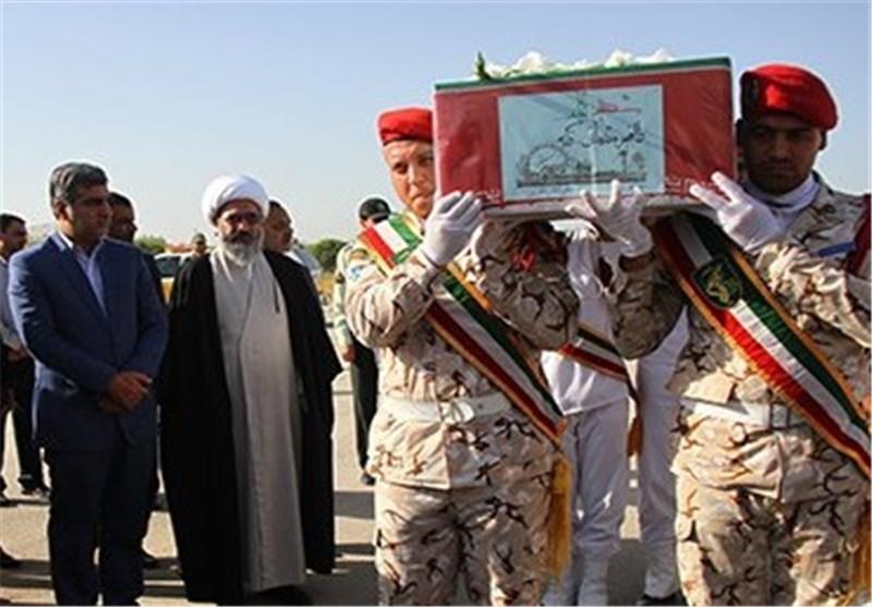 آیین استقبال از شهدای گمنام در فرودگاه بوشهر+تصاویر