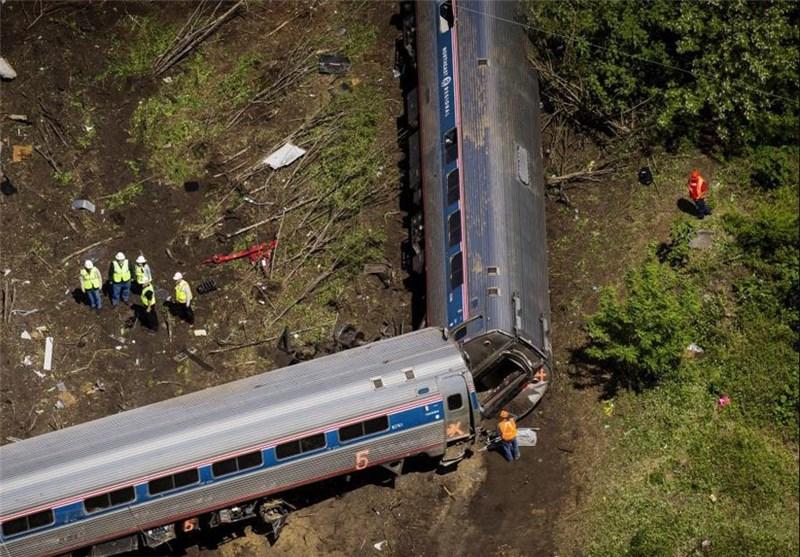 تصاویر خروج قطار از ریل در آمریکا