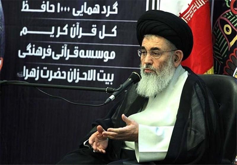 تربیت حافظان قرآن در جامعه افزایش یابد
