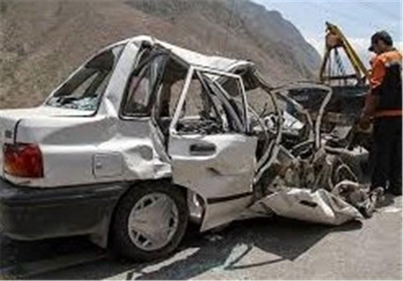 خودروی پراید به دلیل بیاحتیاطی راننده در محور دندی به دره سقوط کرد