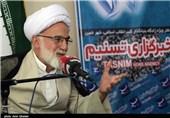آیتالله دری نجفآبادی: آمریکا برای کاستن انرژی هستهای در ایران بازی در میآورد