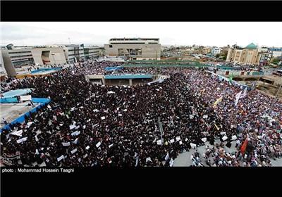 مشهد المقدسة تشهد تجمعا جماهیریا کبیرا تحت شعار
