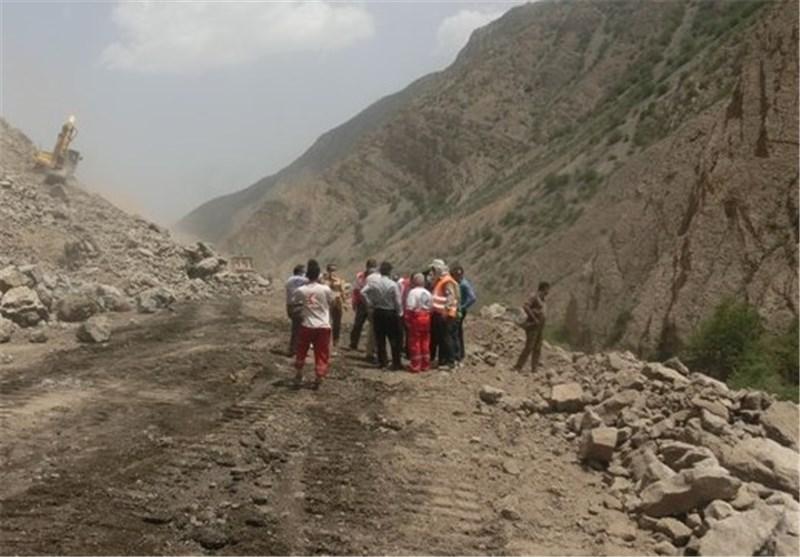بازگشایی محورهای مواصلاتی در مناطق زلزله/اعزام گروههای ارزیاب راهداری به منطقه