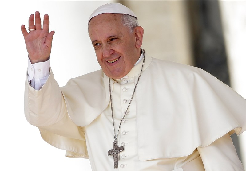 Pope: It Is 'Not Right' to Identify Islam with Violence