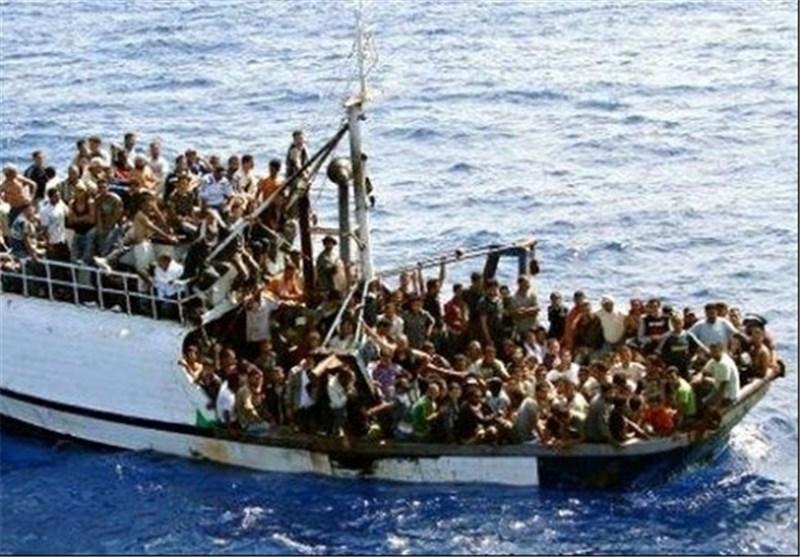 قایق حامل مهاجرات در دریای مدیترانه // قایق مهاجران مدیترانه // قایق مهاجر مدیترانه // قایق مدیترانه مهاجر //