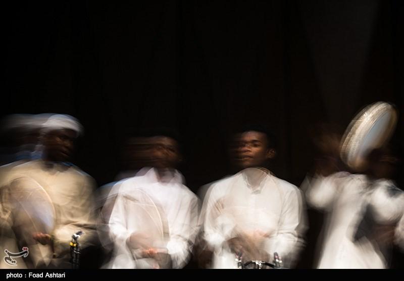 جشنوارهی موسیقی نواحی و مقامی آیینهدار