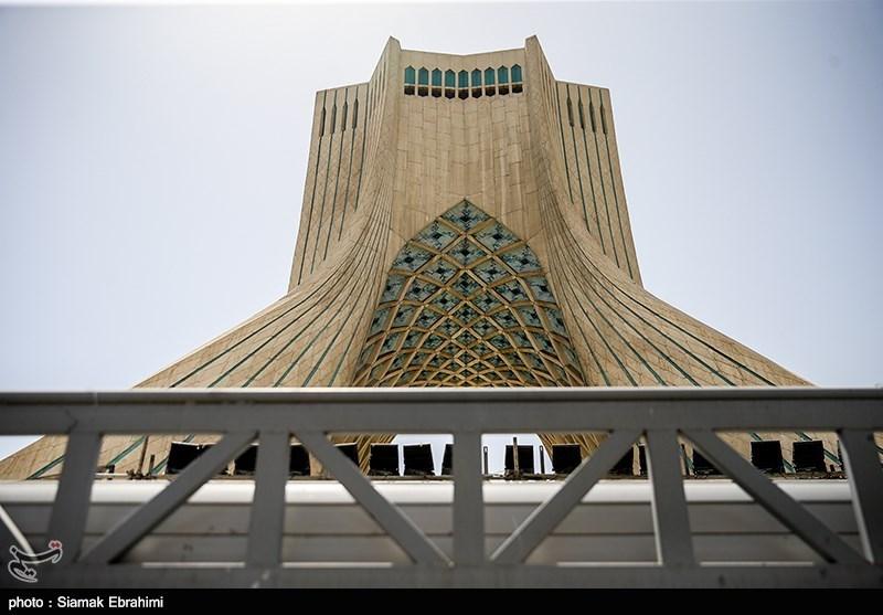 تهران| 223 سالگی پایتخت؛ از عطر یاسهای سفید تا زرق و برق آسمانخراشها+فیلم
