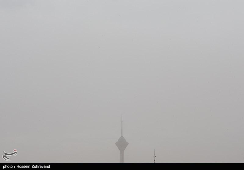 هجوم گرد و غبار به تهران