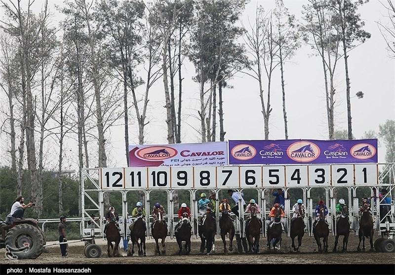 هفته پانزدهم مسابقات اسبدوانی پائیزه کشور در گنبدکاووس برگزار شد