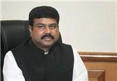 وزیر نفت هند: تحریم نفتی ایران عرضه را با مشکل مواجه میکند