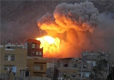 لحظة إنتشال الضحایا الأطفال الذین استشهدوا اثر قصف العدوان السعودی على صنعاء