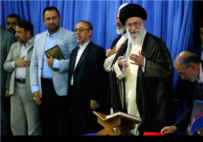 Supreme Leader Hosts Iranian Reciters of Holy Qur'an in Tehran