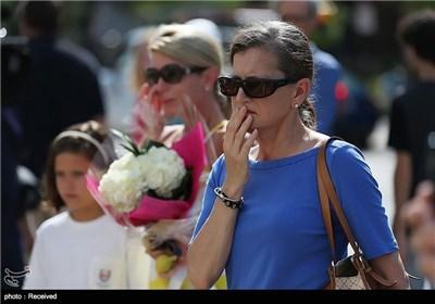 ادای احترام مردم چارلستون به قربانیان حمله نژادپرستانه - امریکا