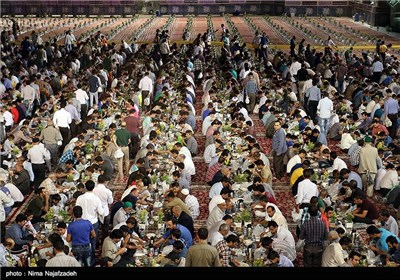 Shia-Muslem.blog.ir: Largest Iftar Table during Ramadan