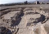 کشف آثار معماری و سکه از دوره ساسانی در تپه اشرف