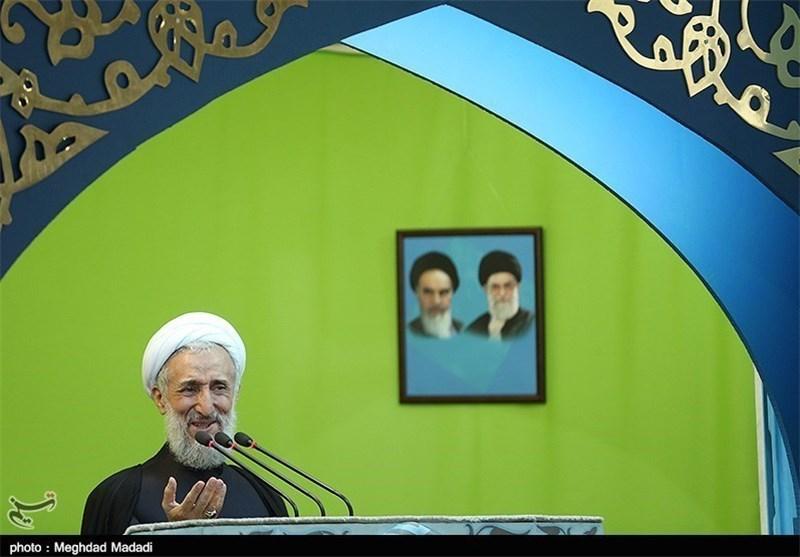 خطیب جمعة طهران: استهداف آیة الله قاسم یدل على عجز وذل آل خلیفة