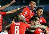 شیلی با غلبه بر اروگوئه به مرحله نیمه نهایی صعود کرد