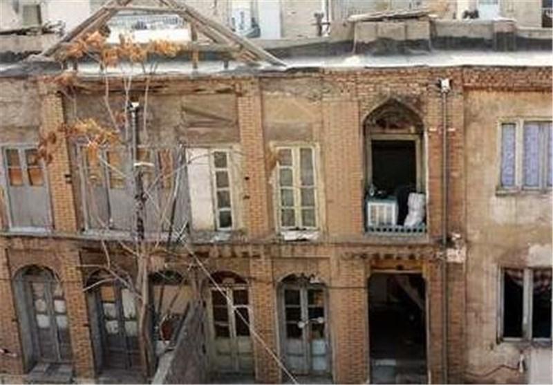 تخریب 64 خانه تاریخی منطقه 12 بهانهای برای برجسازی است