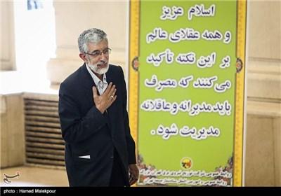 غلامعلی حدادعادل رئیس فرهنگستان زبان و ادب فارسی در نماز جمعه تهران