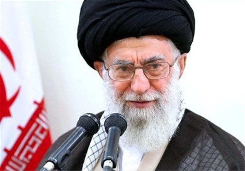 Leader Pardons over 900 Iranian Prisoners