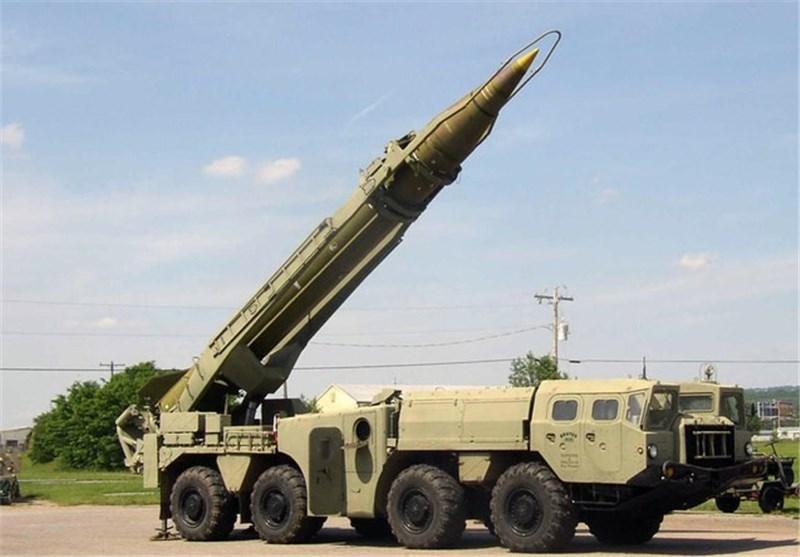 """ارتش یمن موشک بالستیک """"اسکاد ــ سی"""" رونمایی کرد + جزئیات"""
