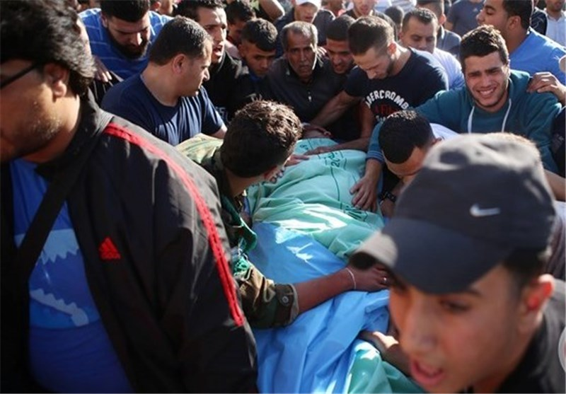 جنرال صهیونی یقتل شابا فلسطینیا ذاهبا للصلاة بالاقصى
